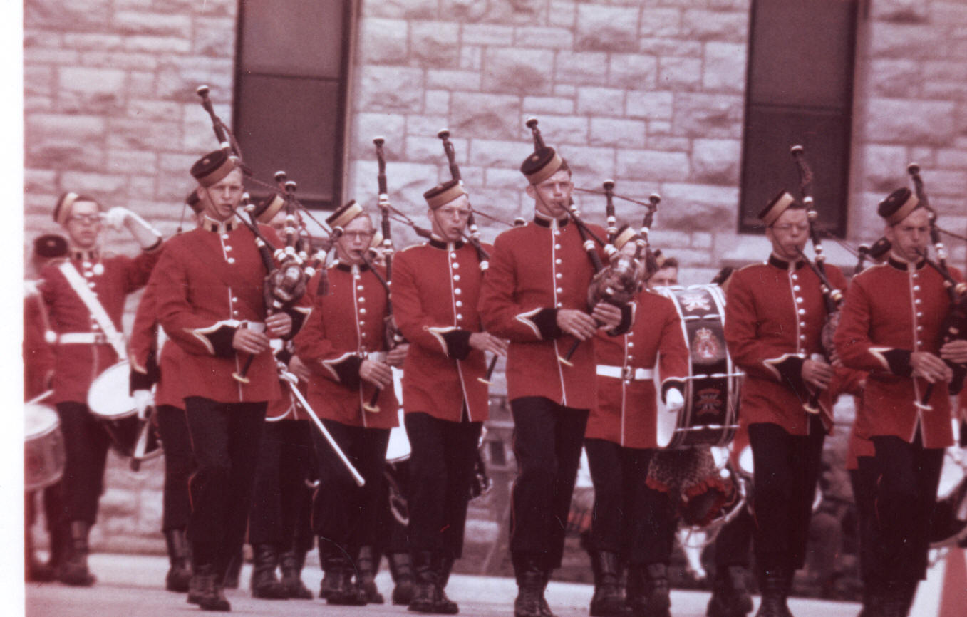 Colour Photo of RMC Pipeband